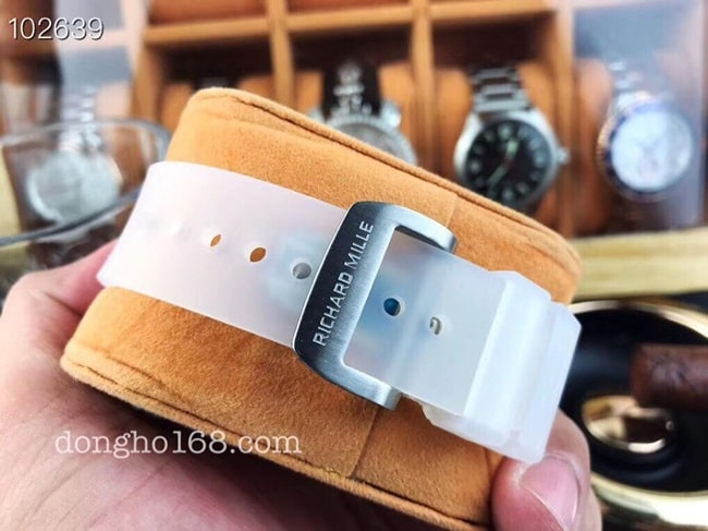 day-richard-mille-rm56-01