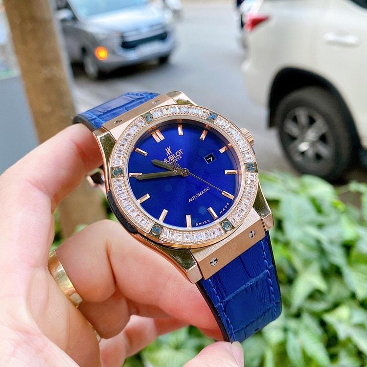 dong-ho-hublot-blue-diamond