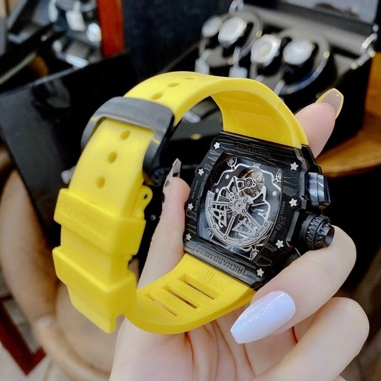 thay-day-dong-ho-richard-mille
